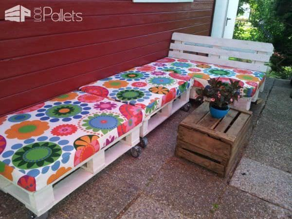 Outdoor Pallet Lounge Adds Outdoor Living Space Lounges & Garden Sets