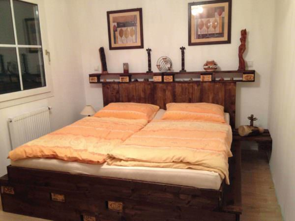 Palettenbett / Pallet Bed DIY Pallet bed headboard and frame - Pallet Bedroom