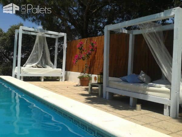Pallet Sofa's For A Swimming Pool Pallet Sofas Pallets in The Garden