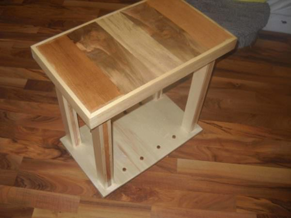Recycled Side Table Pallet Desks & Pallet Tables