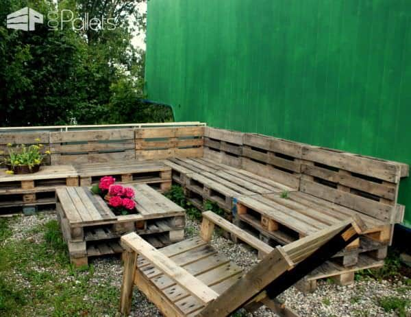 Several Use Of Pallets In The Garden Lounges & Garden SetsPallet Planters & Compost Bins