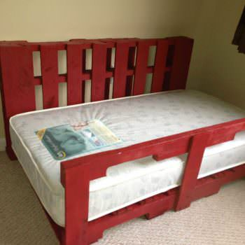 Toddler Pallet Bed