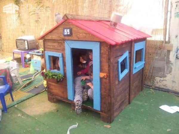 Tutorial To Make A Kid's Hut From Recycled Pallets Fun Pallet Crafts for Kids Pallet Sheds, Pallet Cabins, Pallet Huts & Pallet Playhouses