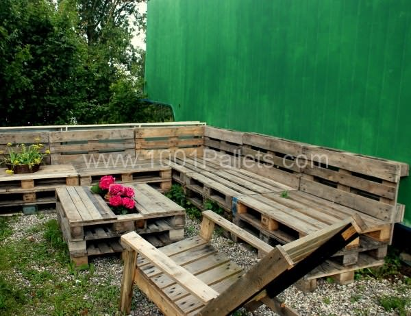 Several Use Of Pallets In The Garden Lounges & Garden Sets