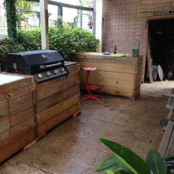 My Bar & Grill Made Out Of Recycled Pallets