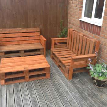 Garden Pallet Benches & Pallet Coffee Table