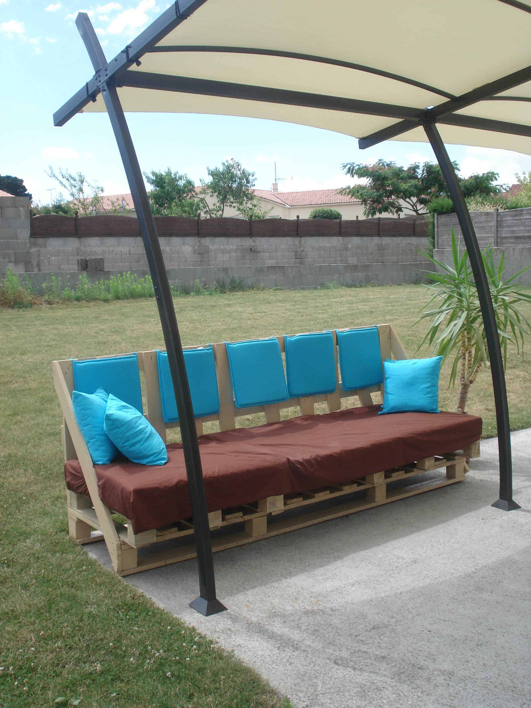 Patio From Pallets Outdoor Sofa From Discarded Pallets Canapc Dextcrieur Avec Des