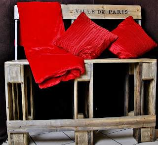 Pallet Bench Project: Sturdy High Bench Made From Salvaged & Re-purposed Pallets Pallet Benches, Pallet Chairs & Stools