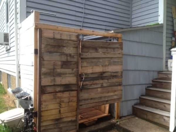 Pallet Outdoor Shower Pallets in The Garden