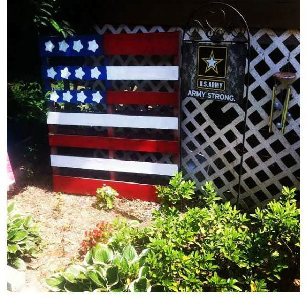 Proudly Showing Our Support: American Flag Out Of One Pallet Pallet Wall Decor & Pallet Painting