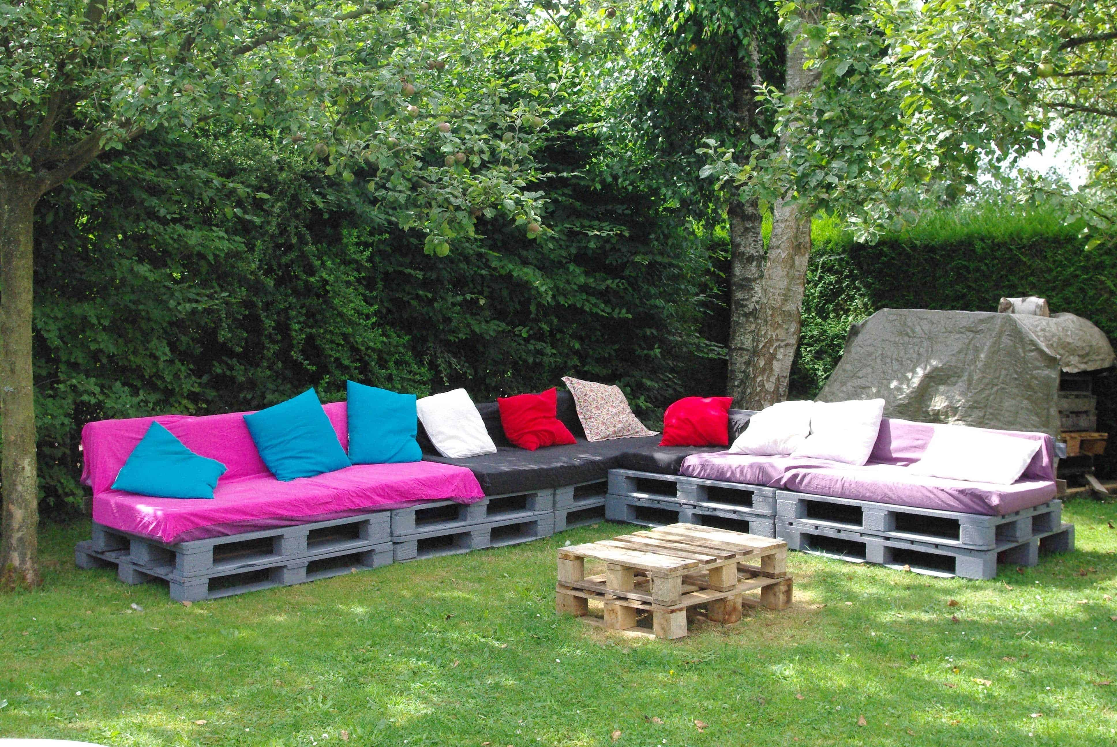 Salon de jardin une invitation la paresse pallet garden set 1001 pallets for Jardin 1001 saveurs