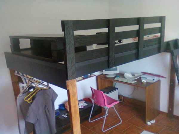 Sleeper Pallets Bed DIY Pallet Bedroom - Pallet Bed Frames & Pallet Headboards
