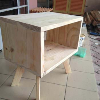 Bedside Pallet Table
