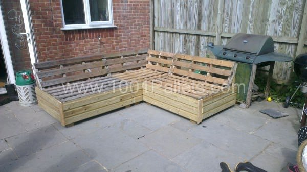 Garden Patio Sofa Set Made Out Recycled Pallets • 1001 Pallets