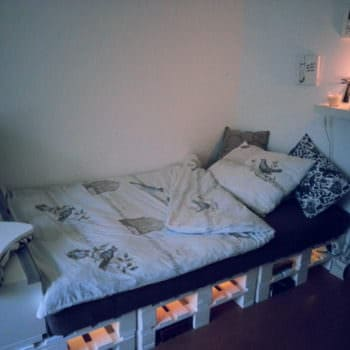 6 Pallets Bed With Lights