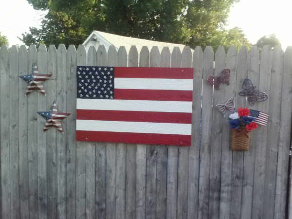 American Flag Out Of Repurposed Pallets Pallet Wall Decor & Pallet Painting