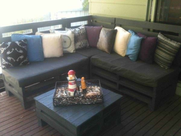 Backyard Retreat On This Pallets Sofa Pallet Sofas & Couches