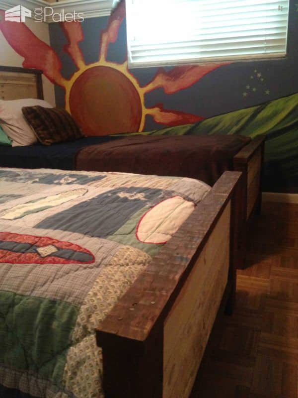 Double Kids Pallet Beds DIY Pallet Bedroom - Pallet Bed Frames & Pallet Headboards