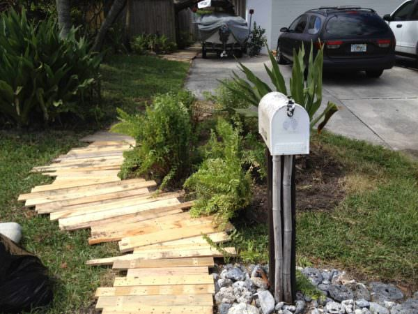Pallet Garden Walkway Pallet Floors & Decks Pallets in the Garden