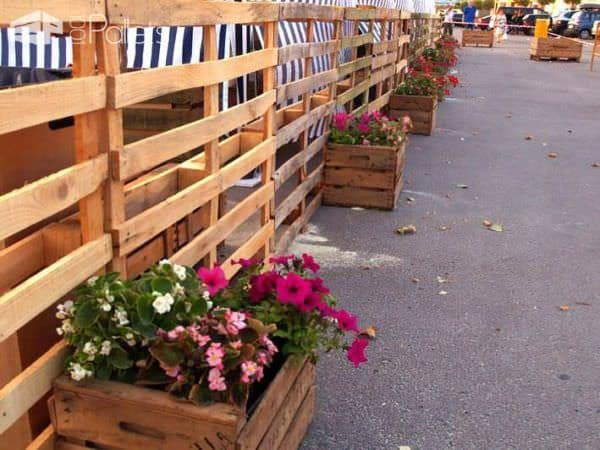Pallet Installations @ Festival Fruta Dulce De Fraga DIY Pallet Furniture Pallet Store, Bar & Restaurant Decorations