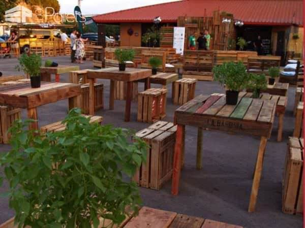 Pallet Installations @ Festival Fruta Dulce De Fraga Pallet Furniture Pallet Store, Bar & Restaurant Decorations