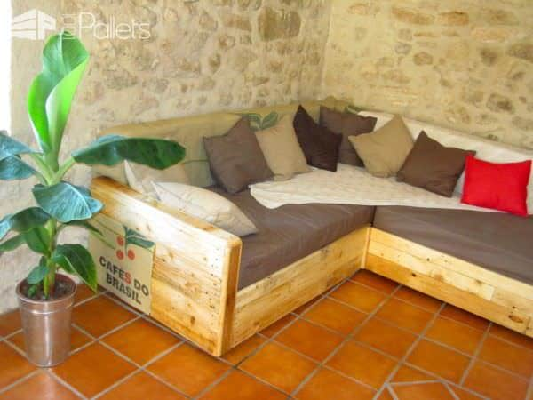 King Size Sofa Made Out Of Pallets Pallet Sofas