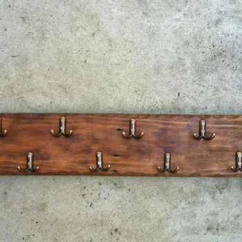 Simple Pallet Coat Hanger