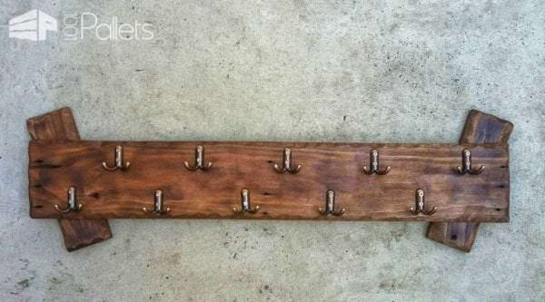 Simple Pallet Coat Hanger Pallet Shelves & Pallet Coat Hangers