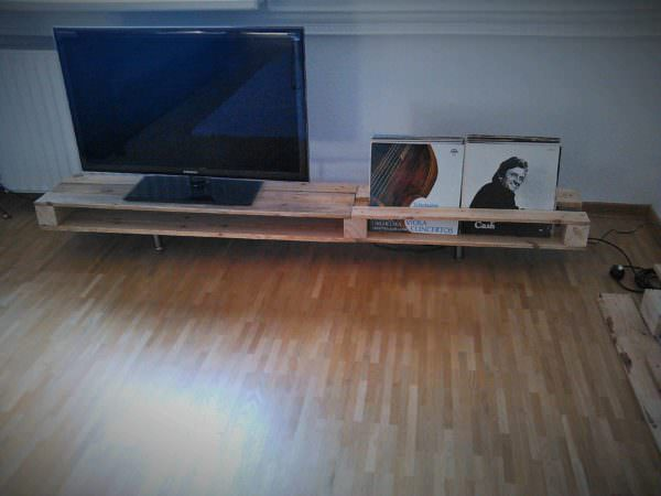 Tv Stand Made From One Reclaimed Pallet Pallet TV Stand & Rack