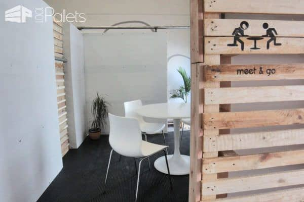 Meet & Go: Pallet Room Pallet Walls & Pallet Doors