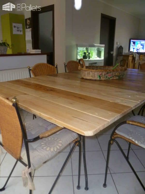 My New Dining Room Table / Ma Nouvelle Table De Salle A Manger Pallet Desks & Pallet Tables