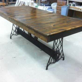 Singer Pallet Table
