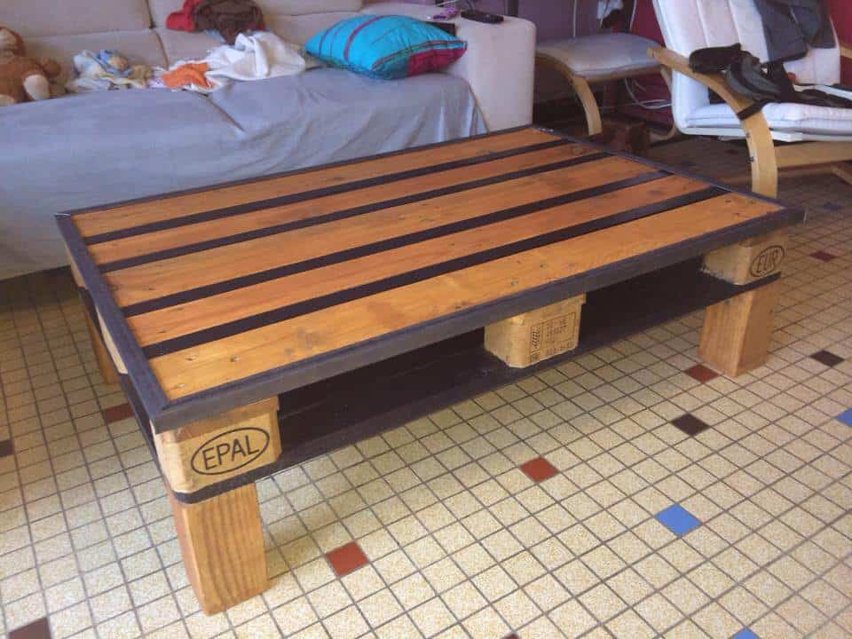 table basse epal pallet coffee table 1001 pallets. Black Bedroom Furniture Sets. Home Design Ideas