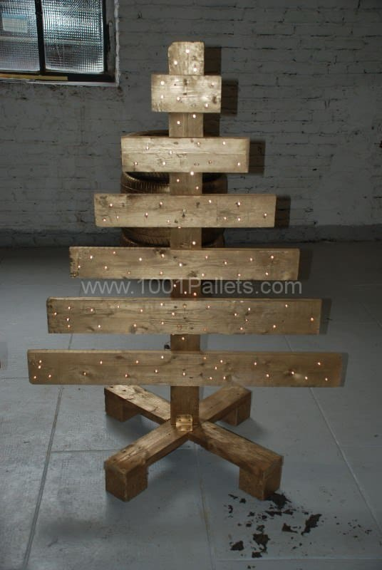 Workbench, Sofa & Christmas Tree: All Made From Wooden Pallets Pallet Home Accessories