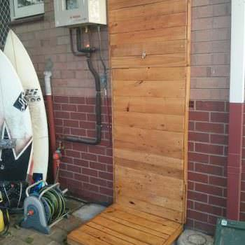Outdoor Pallet Shower