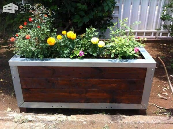 Planter Out of Reclaimed Pallets & Metal Pallet Planters & Compost Bins