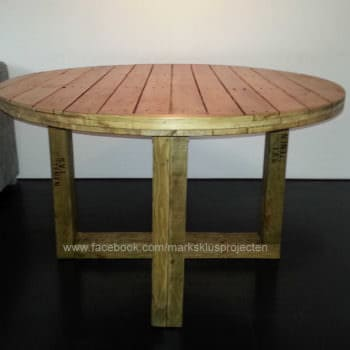 Round Dinner Table Made with Recycled Pallet Wood