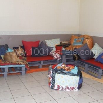 Corner sofa made from repurposed euro pallets 1001 pallets - Canape angle palette ...