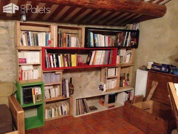 Biblio-tetris, Bookshelf Out of Repurposed Crates & Pallet Planks Pallet Bookcases & Bookshelves