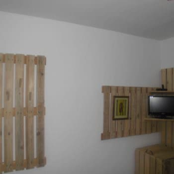 Coat Hanger And TV Holder From Upcycled Pallets