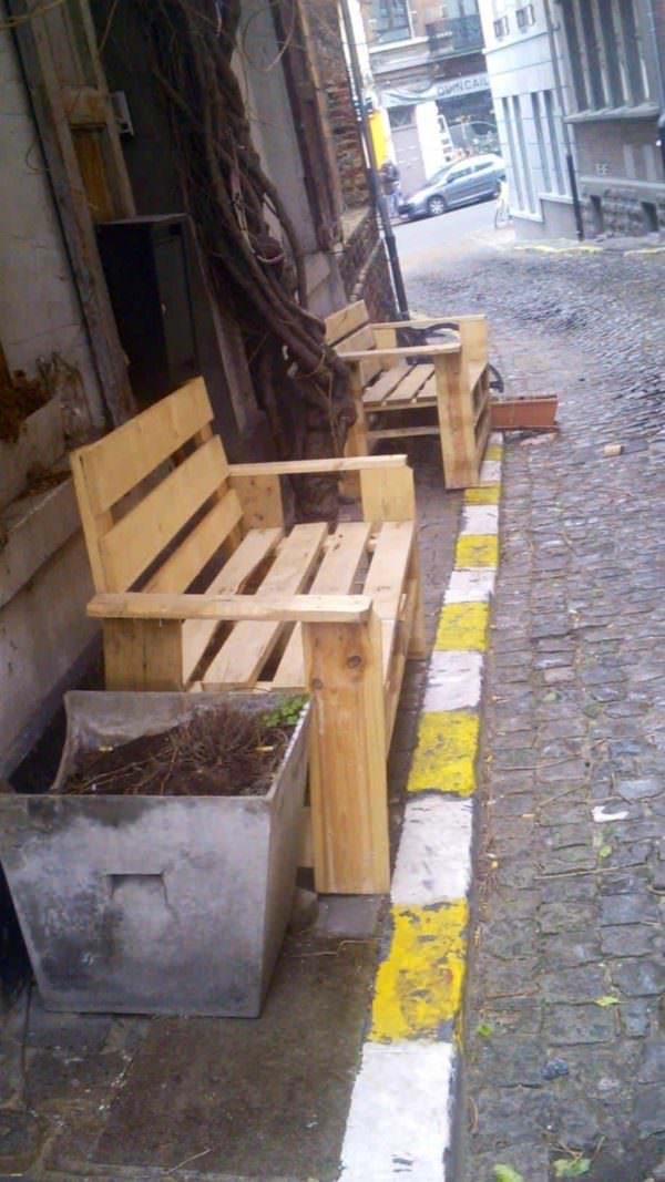 Pallet Benches in the Streets of Bruxelles Pallet Benches, Pallet Chairs & Stools