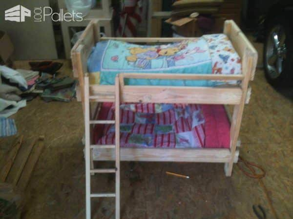 Pallet Bunkbeds for Animals Animal Pallet Houses & Pallet Supplies Pallet Beds, Pallet Headboards & Frames