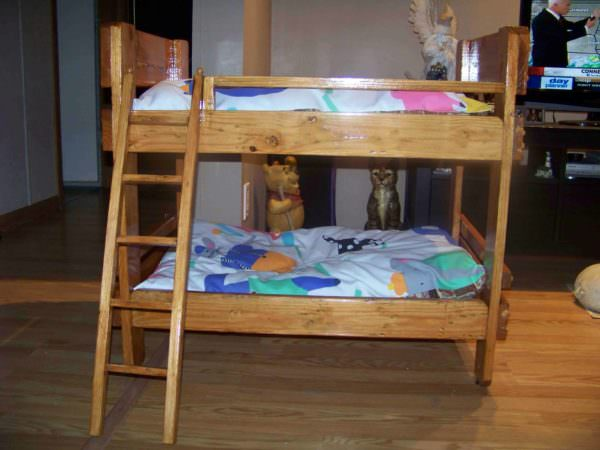 Pallet Bunkbeds for Animals Animal Pallet Houses & Pallet Supplies DIY Pallet Beds, Pallet Bed Frames & Pallet Headboards