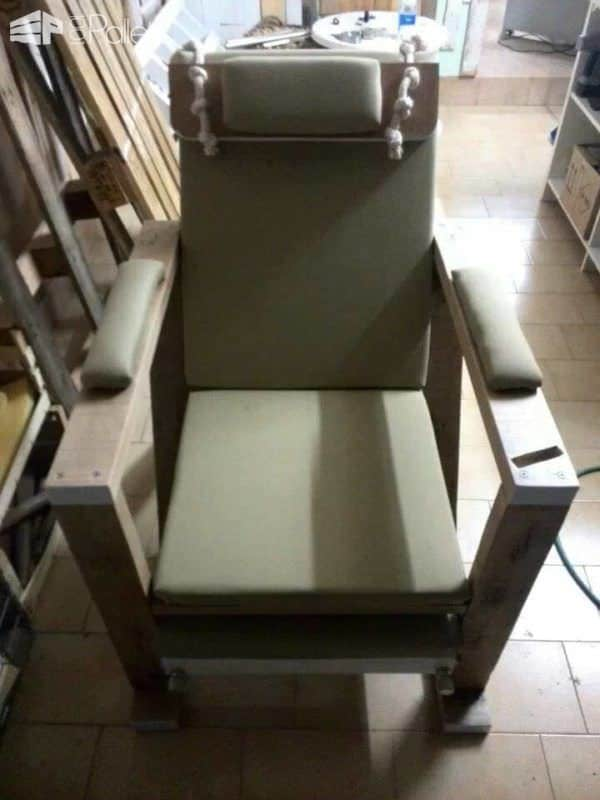 Pallet Relax Sofa Pallet Benches, Pallet Chairs & Pallet Stools
