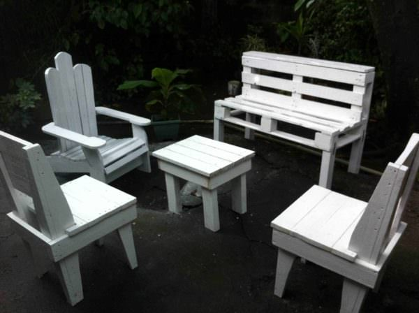 Salon De Jardin / Pallets Garden Set Pallet Benches, Pallet Chairs & Stools Pallets in the Garden