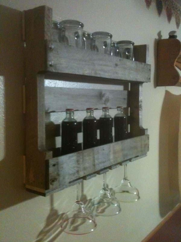 Mini Pallet Bar DIY Pallet BarsPallet Shelves & Pallet Coat Hangers