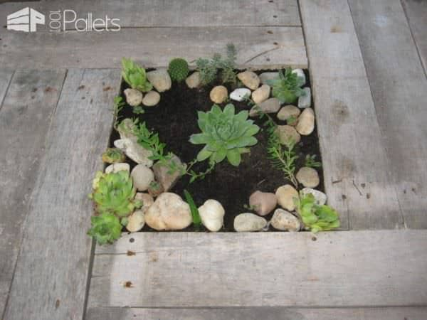 Pallet Table with Decorative Plants Lounges & Garden SetsPallet Desks & Pallet Tables