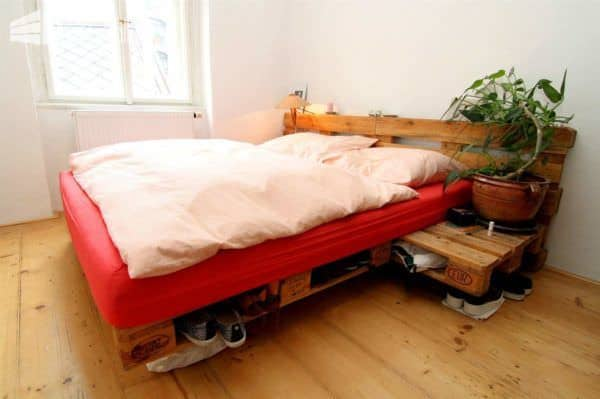 Pallets As The Only Base For Your Apartment Decoration Pallet Home Accessories