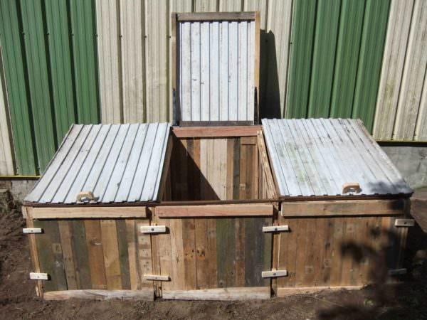 Pallets Compost Bin for Garden Dry Toilets Pallet Planters & Compost BinsPallet Sheds, Pallet Cabins, Pallet Huts & Pallet Playhouses
