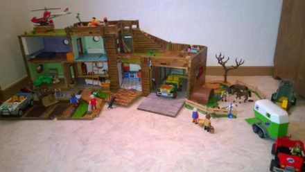 Playmobil House with Pallets